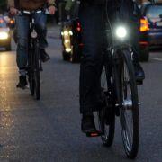 Darum sollten Radfahrer lieber mit Beleuchtung fahren (Foto)