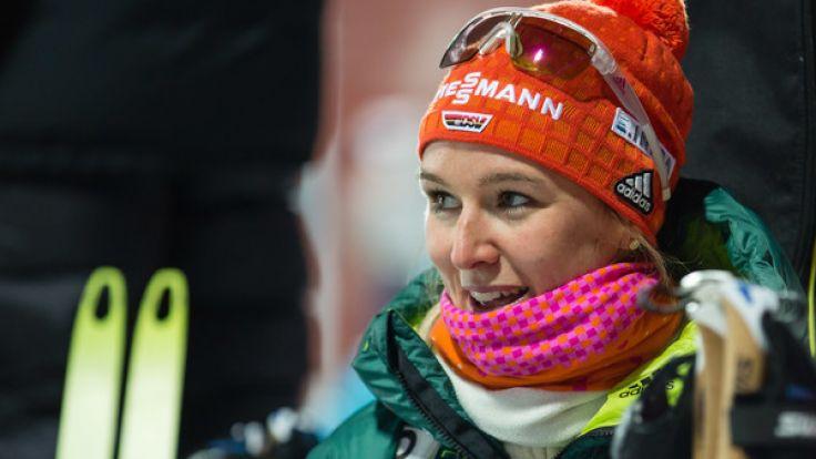 Die Deutsche Denise Herrmann freut sich über ihren ersten Weltcupsieg im schwedischen Östersund. (Foto)