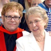 """""""Gute Reise, Mama""""! Popstar beweint den Tod von Sheila Farebrother (Foto)"""
