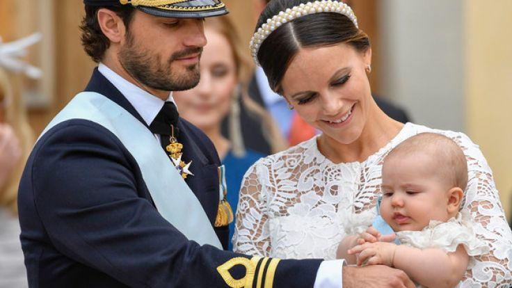 Prinzessin Sofia mit Carl Philip und ihrem Taufkind Gabriel am 1.12.2017. (Foto)