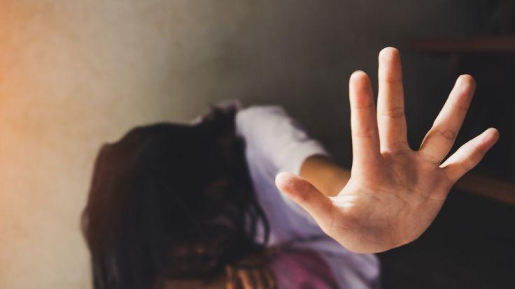 Der Tinder-User sagt, Frauen würden Vergewaltigungen lieben.