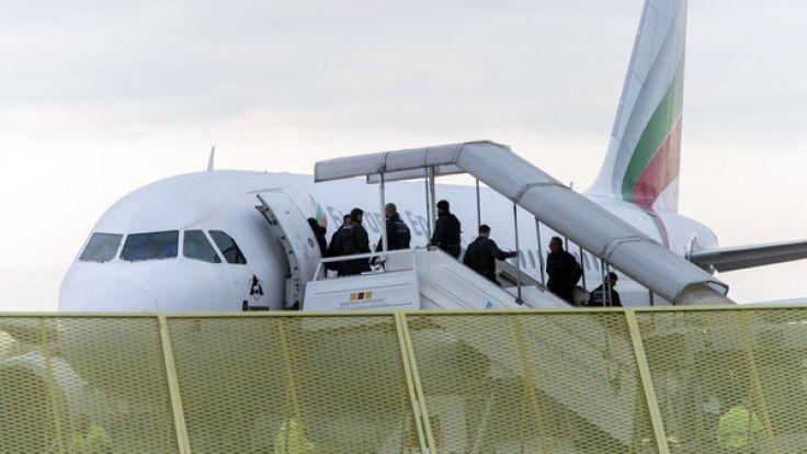Bund und Länder haben 27 afghanische Flüchtlinge zurück nach Kabul gebracht - die größte Gruppe seit Langem.