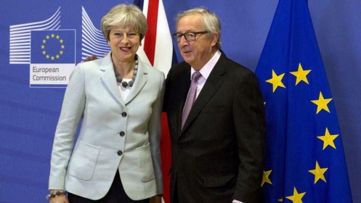 Die britische Premierministerin Theresa May und EU-Kommissionspräsident Jean-Claude Junker haben erste Einigungen beim Brexit erzielt. (Foto)
