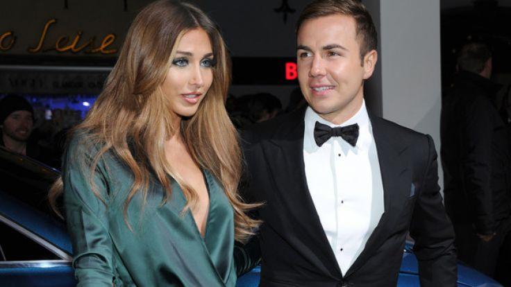 Seit über vier Jahren sind Model Ann-Kathrin Brömmel und Fußball-Star Mario Götze nun schon ein Paar. (Foto)