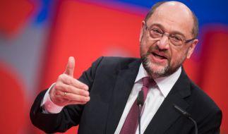 Martin Schulz ist für ergebnisoffene Sondierungsgespräche - seine Parteikollegen sehen das skeptischer. (Foto)