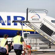 Deutsche Piloten drohen mit Arbeitsniederlegung - wann bleiben die Flieger am Boden? (Foto)