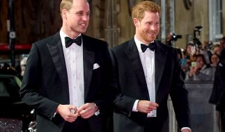 "Prinz William und Prinz Harry bei der ""Star Wars""-Premiere. (Foto)"