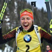 Dahlmeier und Lesser auf dem Podium beim Biathlon-Massenstart (Foto)
