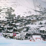 Rebensburg bei Super-G in Val d'Isère gestürzt - Veith gewinnt (Foto)