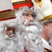 Burkaverbot! Weihnachtsmann muss Bart und Mantel ablegen (Foto)