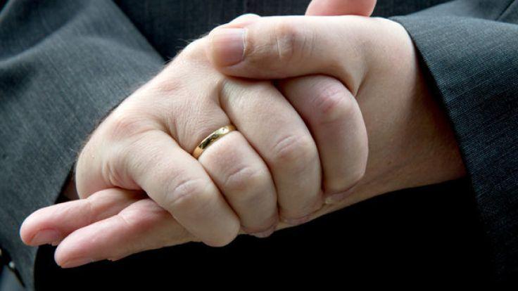 Was sagt die Länge des Ringfingers über die Attraktivität des Mannes aus? (Foto)