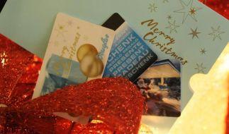 Gutscheine landen oft unter dem Weihnachtsbaum. Als Beschenkter sollte man auf die Frist achten. (Foto)