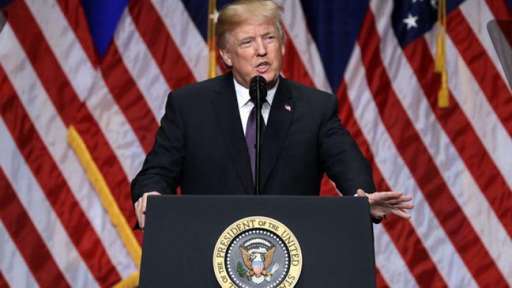 Für Verschwörungstheoretiker klar: Donald Trump steht auf der Abschussliste. (Foto)