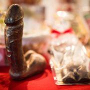 34-Zentimeter-Mann wittert Penis-Beschiss bei 48-Zentimeter-Mann (Foto)