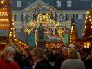 Das Archivbild zeigt den Bonner Weihnachtsmarkt. (Foto)