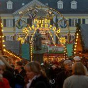 Bomben-Alarm! Polizei räumt Weihnachtsmarkt (Foto)