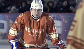 Wladimir Putin beim Eishockey. (Foto)
