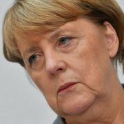 Umfrageklatsche für Merkel // Schiffsunglück in Duisburg // Mord bei Pop-Star (Foto)