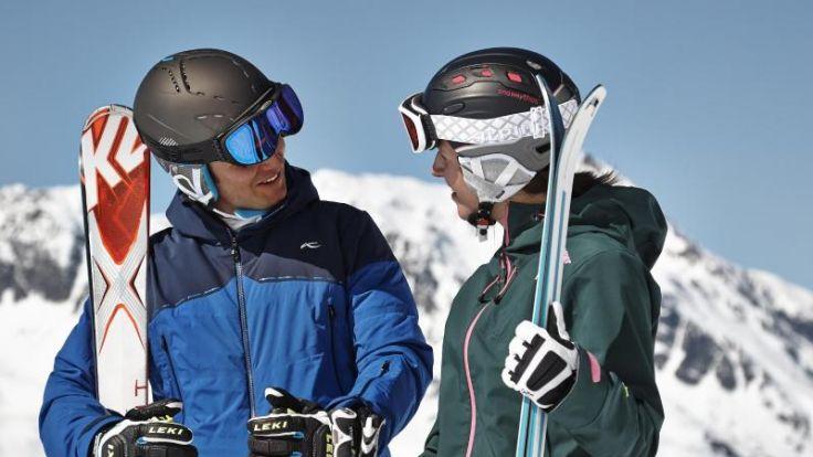 Gekauft oder geliehen? Wenn es um die Ski geht, haben beide Varianten ihre Vorteile - je nach Können und Einsatzdauer der Ausrüstung. Foto: DSV aktiv Ski- & Sportmagazin/dpa-tmn (Foto)