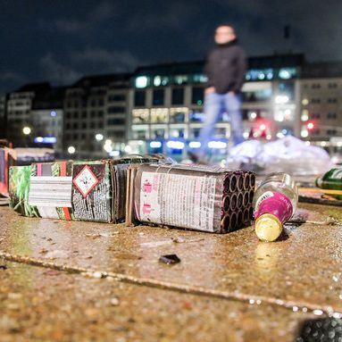 Jahreswechsel mit Böller-Unfällen, Toten, Sex-Übergriffen (Foto)