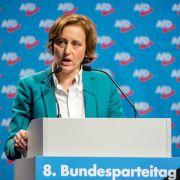 Kölner Polizei zeigt Beatrix von Storch nach Tweet an (Foto)