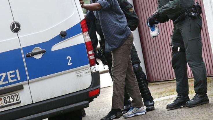 Vor allem junge Männer sind unter den straffälligen Flüchtlingen. (Foto)