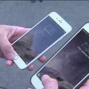 Wie jetzt bekannt wurde, hat Apple still und heimlich zahlreiche iPhones gedrosselt.