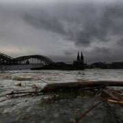 Pegel steigen schneller als erwartet - Rhein, Mosel und Donau kritisch (Foto)