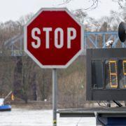 Pegel steigen weiter! Noch keine Entspannung am Rhein (Foto)