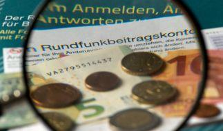 Aktuell zahlen deutsche Haushalte 17,50 Euro pro Monat für die GEZ. (Foto)