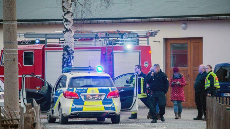 Drama in Königswalde: Junge (1) fällt in Bach und stirbt