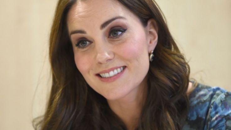 Ist Kate Middleton mit einem Mädchen schwanger? Eine Studie soll darauf hinweisen. (Foto)