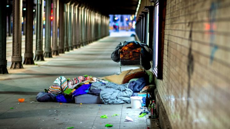 Drei Obdachlose in Berliner U-Bahnhof angegriffen