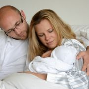 DIESE Geburtsfotos sind völlig irritierend, aber genial (Foto)