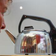 Japaner kocht Heizöl statt Wasser - und erleidet Verbrennungen (Foto)