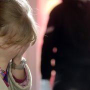 Schrecklicher Grund! Eltern halten Tochter als Sex-Sklave (Foto)