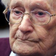 """""""Buchhalter von Auschwitz"""" im Krankenhaus! Muss er nicht in den Knast? (Foto)"""