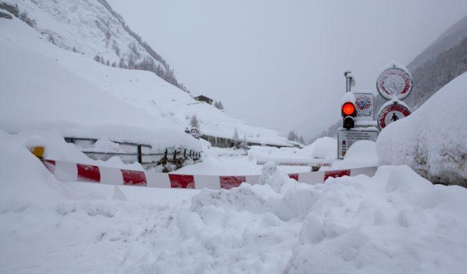 9.000 Urlauber in Zermatt eingeschneit