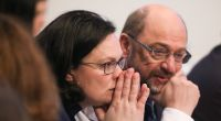 Andrea Nahles und Martin Schulz auf dem SPD-Sonderparteitag in Bonn am 21. Januar 2018. (Foto)