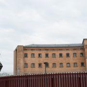 Streng verboten! Tausende illegale Handys in Gefängnissen entdeckt (Foto)