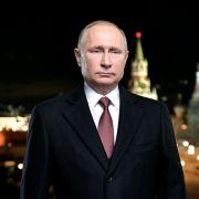 Wahl-Pleite befürchtet? SO will Putin die Russen zur Wahl-Urne locken (Foto)