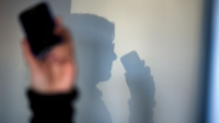Heimliche Handyüberwachung durch Sicherheitsbehörden nimmt zu