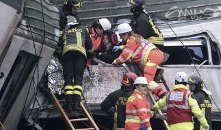 Bei Mailand hat sich ein Zugunglück ereignet. (Foto)