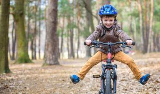 Der Junge hatte einen vermeintlich harmlosen Unfall mit dem Fahrrad. (Symbolbild) (Foto)