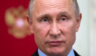 Der russische Präsident Wladimir Putin hat sein Waffenarsenal offenbar mit einem Überschall-Flugzeug mit zwölf Atomraketen an Bord aufgerüstet. (Foto)