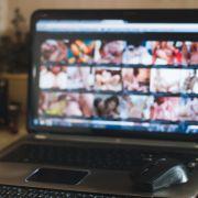 DIESE täuschend echten Promi-Pornos fluten das Netz (Foto)