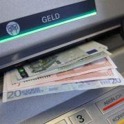 HIER zahlen Bank-Kunden jetzt 3 Euro fürs Abheben (Foto)
