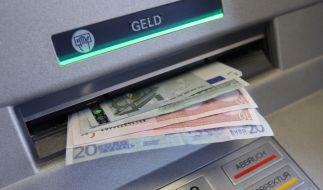 Netbank-Kunden müssen für das Abheben extra bezahlen. (Foto)