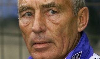 Die Fußball-Welt trauert um Bochums Ex-Trainer Rolf Schafstall. (Foto)