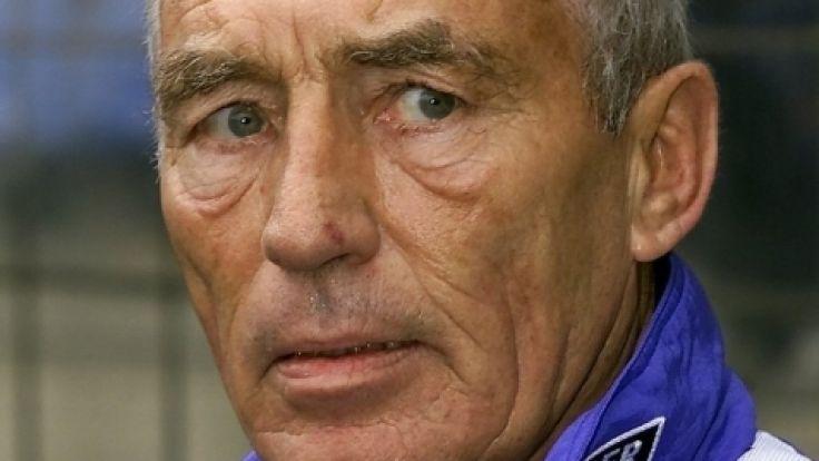 Die Fußball-Welt trauert um Bochums Ex-Trainer Rolf Schafstall.